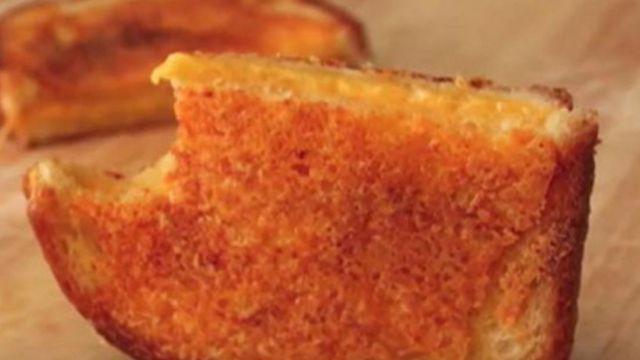一看就上手 五星級起司三明治兩分鐘就做出來!