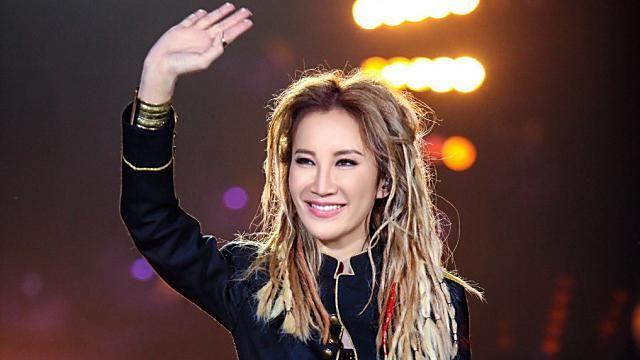 奪4次「歌手」冠軍 李玟「失聲」彩排暴哭