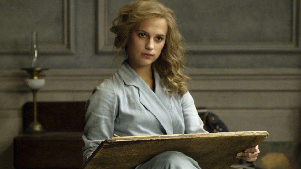 最佳女配角「艾莉西亞維坎德」 首入圍就拿小金人