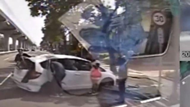 疑左轉搶快撞直行車! 後座母子重傷亡