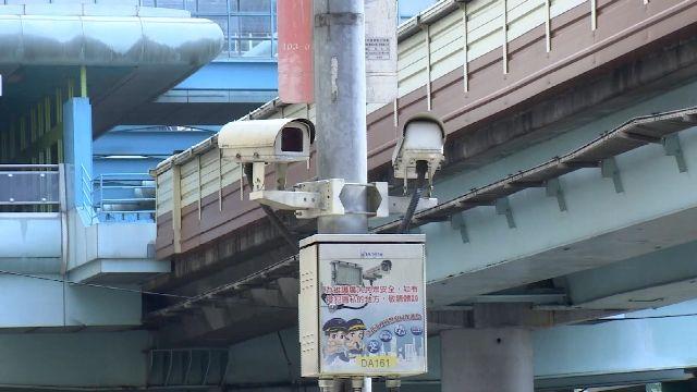 「電眼」抓騎士闖紅燈 警違法「侵犯隱私」撤罰單