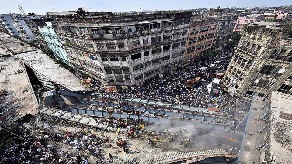 印度施工中橋坍塌!至少10死150人受困