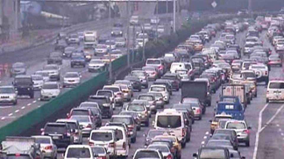 你卡在國道嗎?285萬車潮大出籠 比昨天還塞