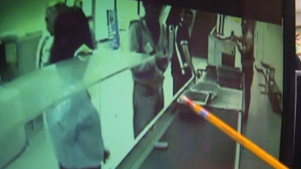 轉機帶2打火機遭攔 日男傷女安檢判拘役