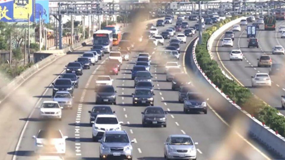 百萬車潮鋪一條回家路!國道今湧295萬輛車次