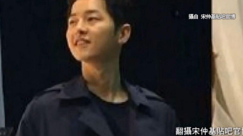 「太陽」雙宋香港合體 粉絲擠爆機場