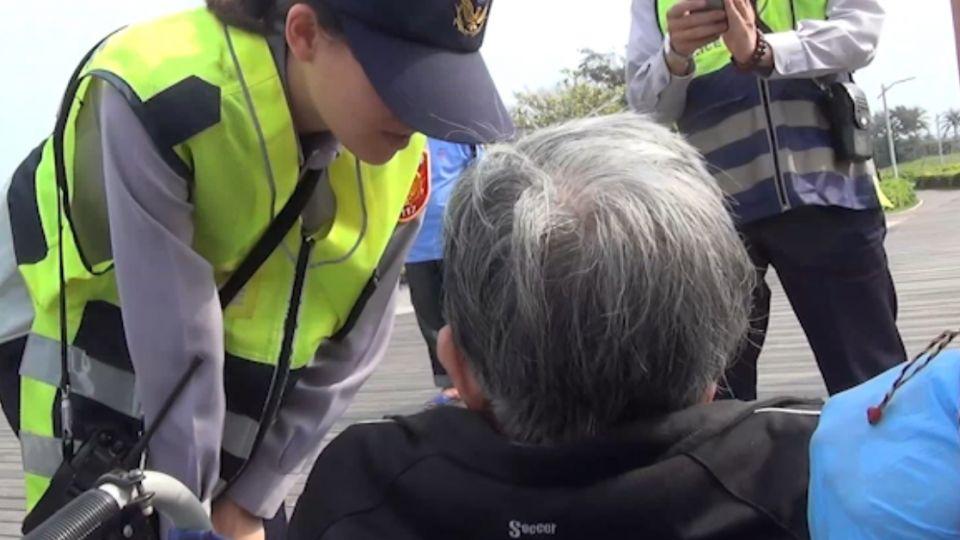 「牙齒太痛」 嬤自推1公里輪椅投海 民眾及時攔救
