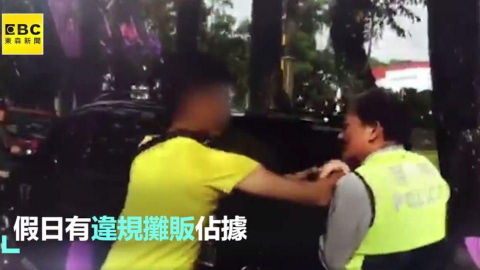 扯!攤販不滿遭取締 竟辱罵警抓傷手臂