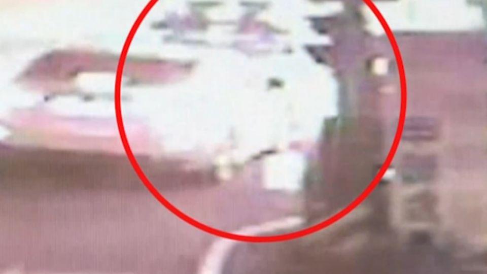 19歲超商店長「監守自盜」 捲125萬包車逃