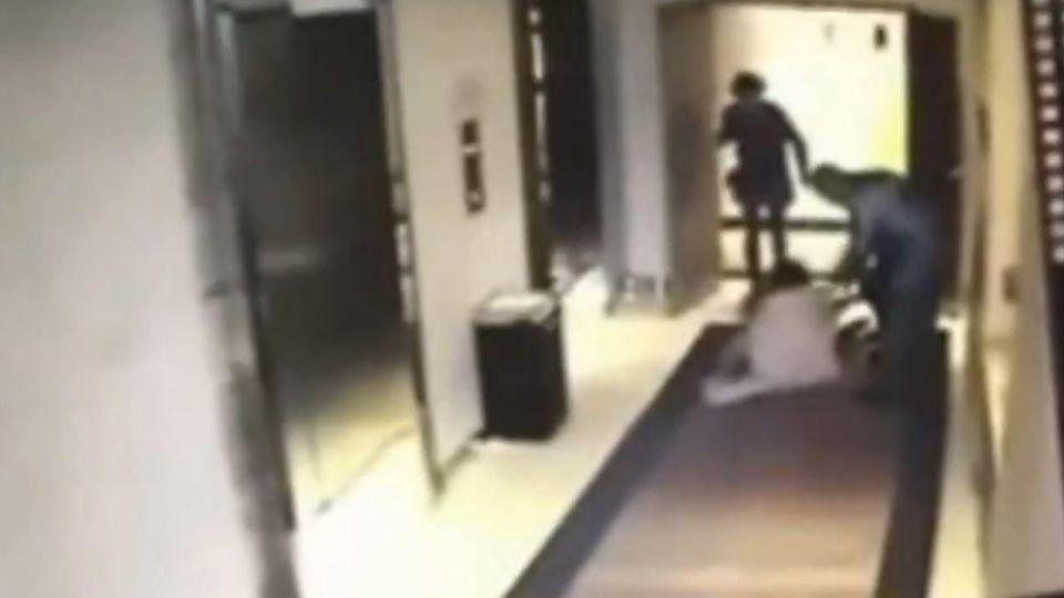 飯店遇襲!女子遭怪男強行拖走 飯店誤認情侶不敢管