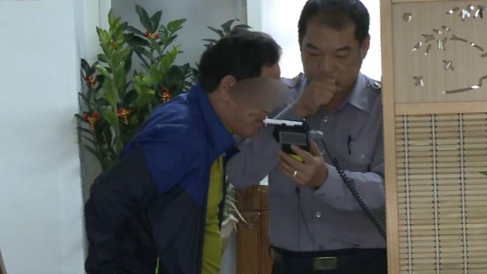 韓2中年大叔鹹豬手 韓國遊客得知:丟臉
