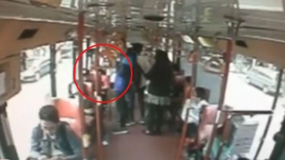 嬰兒在公車上大哭 乘客嫌吵「請媽媽下車」