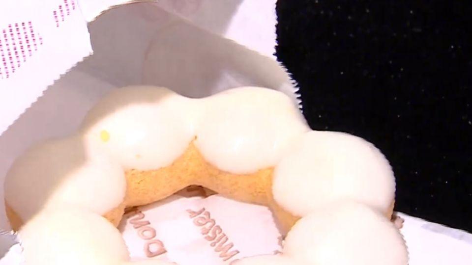 甜甜圈放「滿月」沒變質! 民眾質疑