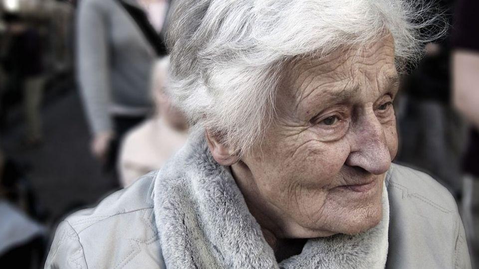 月薪5萬中產階級 55歲後仍恐淪「下流老人」