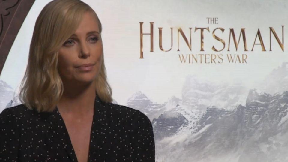 狩獵者衝「女力」 莎莉賽隆:片酬低於男生就不演!