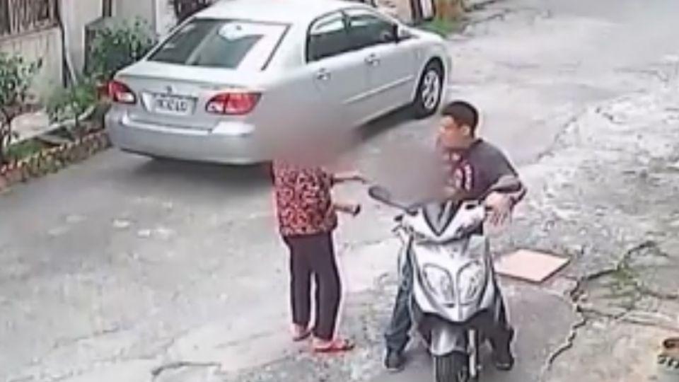 護兒打嫌犯不畏槍  老母親:不知道那是槍