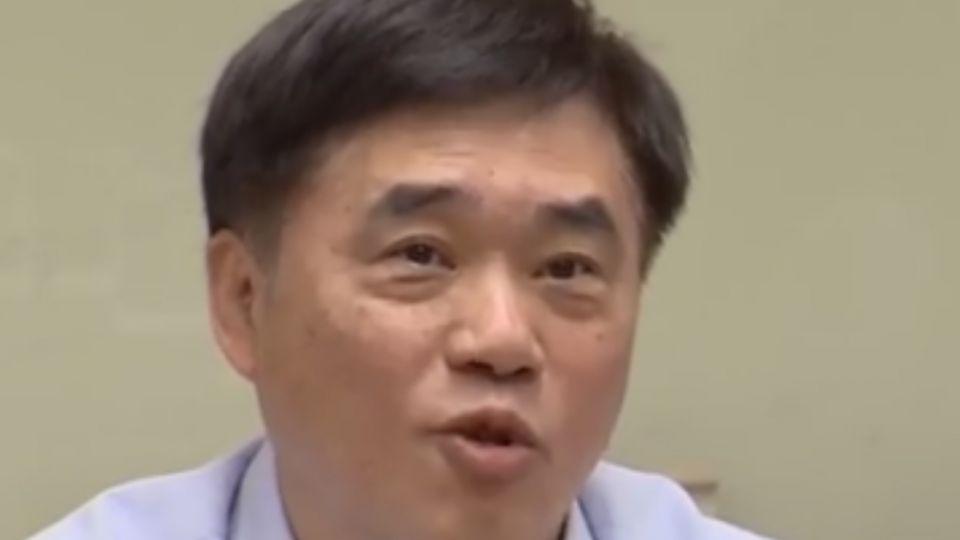 郝龍斌批柯文哲:拿著刀叉吃台北市民的肉
