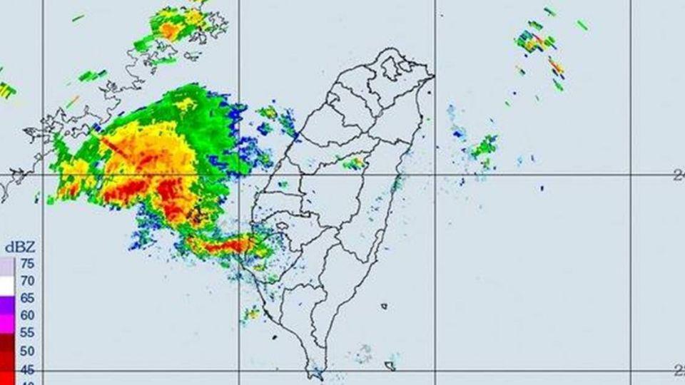「落雨」注意! 鄭明典:雨區南北擴張