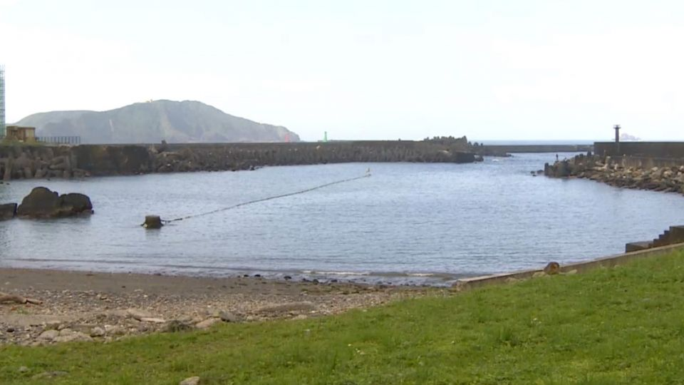 背山面海形成「小海灣」 豆腐岬景觀特殊