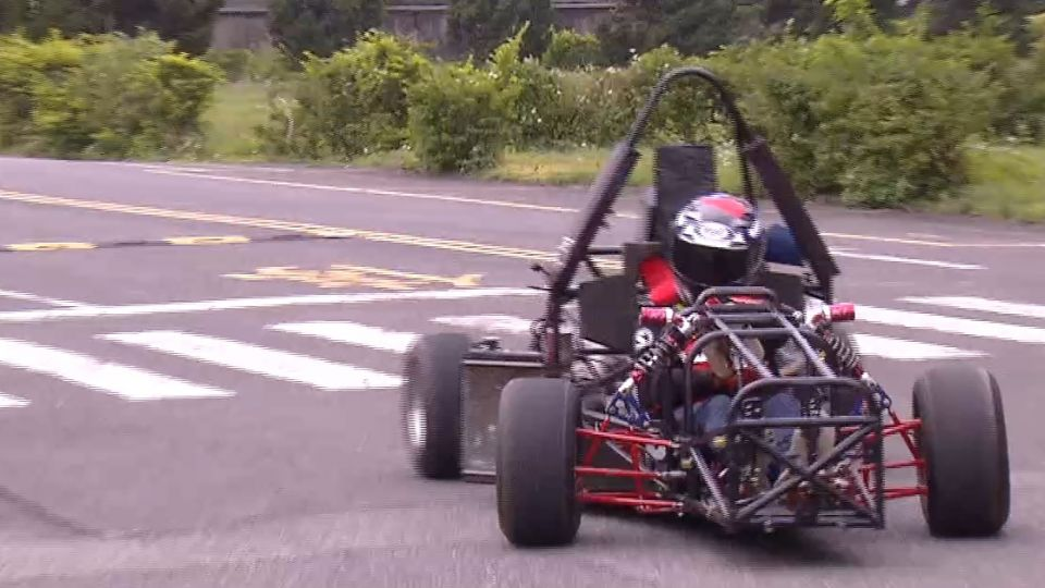 學生自製F1賽車! 還沒畢業 大廠上門找合作
