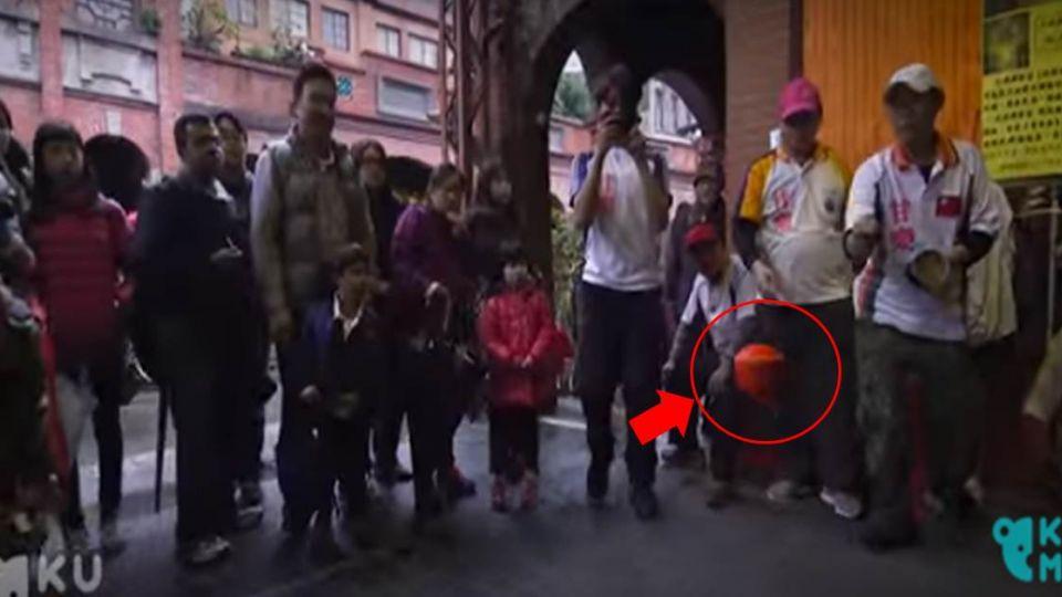 【影片】高手在台灣!漂浮的陀螺?老外看傻眼…