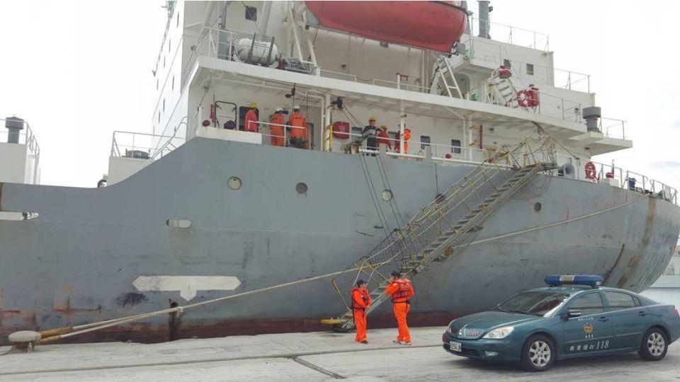 海上驚魂!「亞泥五號」船員遭爆頭1死1重傷