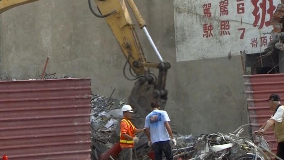 台南官田4.3地震 新化居民心驚跑出家門
