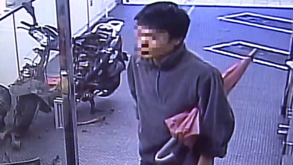 一秒變跛腳 30歲男子遭疑扮殘討錢