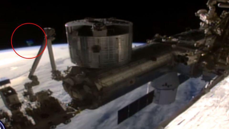 【影片】神秘「馬蹄型」現蹤 NASA直播詭異斷訊?