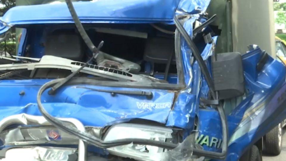 國道追撞車禍 貨車上一男一女傷重不治