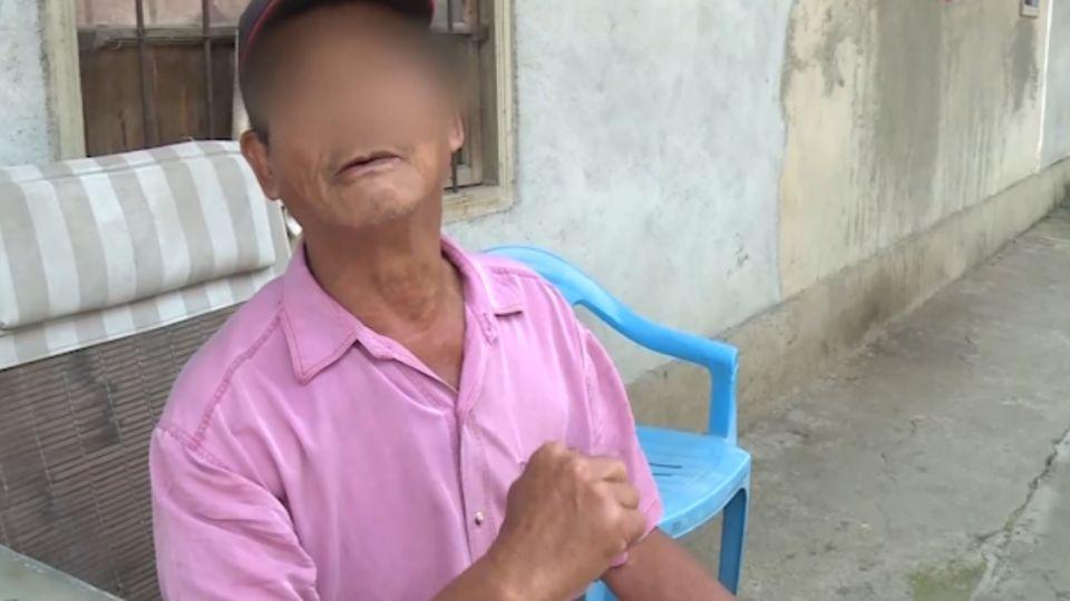 7旬翁酒後騷擾8旬婦 遭攔不滿持鐮刀嗆聲