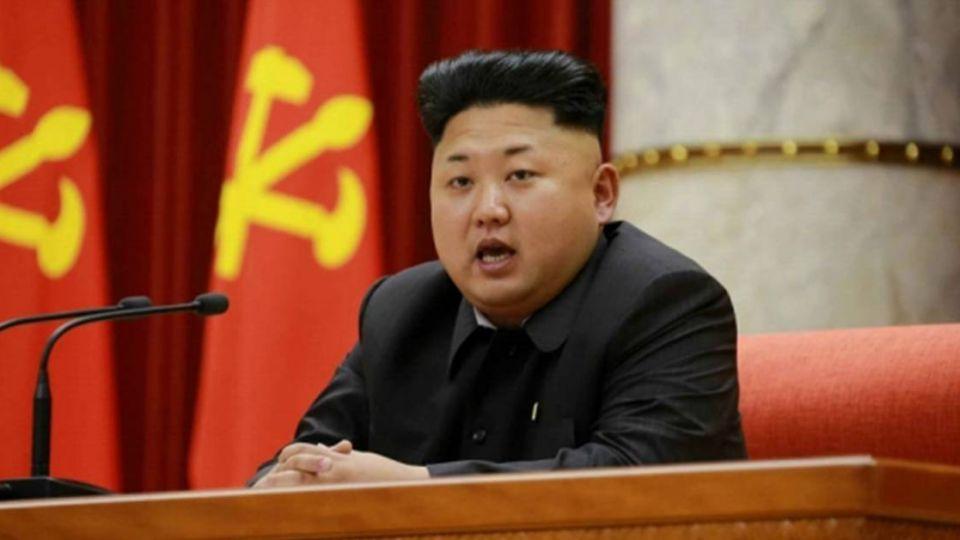 北韓1千萬人餓肚子  金正恩挺肚享「美食」