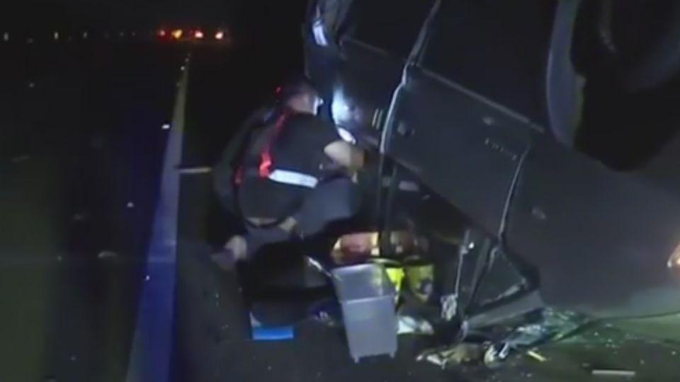 追思惟覺遊覽車追撞 廂型車停路中被撞翻 17傷