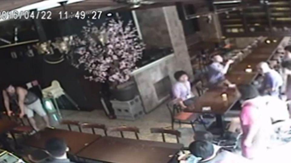 【影音】嫌吵?身心障礙者遭餐廳趕人 網友轟:爛透了