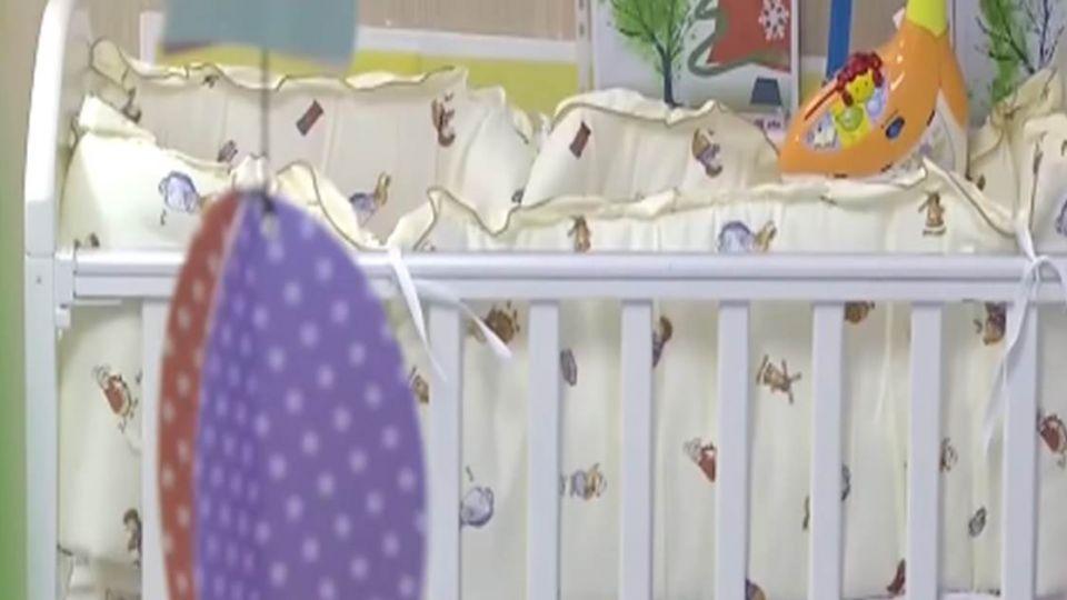 【影音】頭卡床墊、牆壁間 小女嬰再也醒不來了