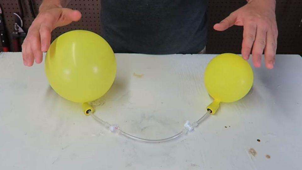 【影片】你猜的到嗎?大小氣球誰輸誰贏 答案竟是…