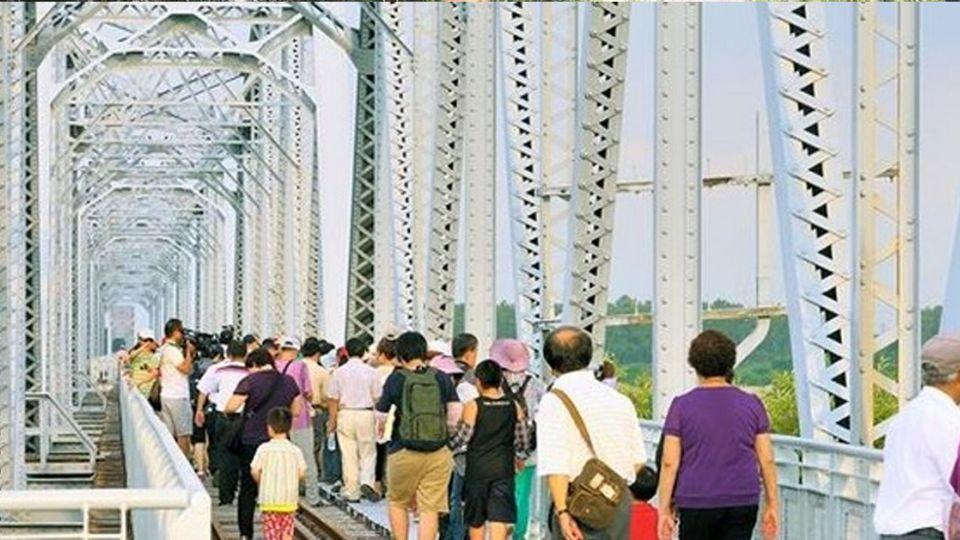 高屏舊鐵橋是「情侶禁地」?台鐵局長神揭密