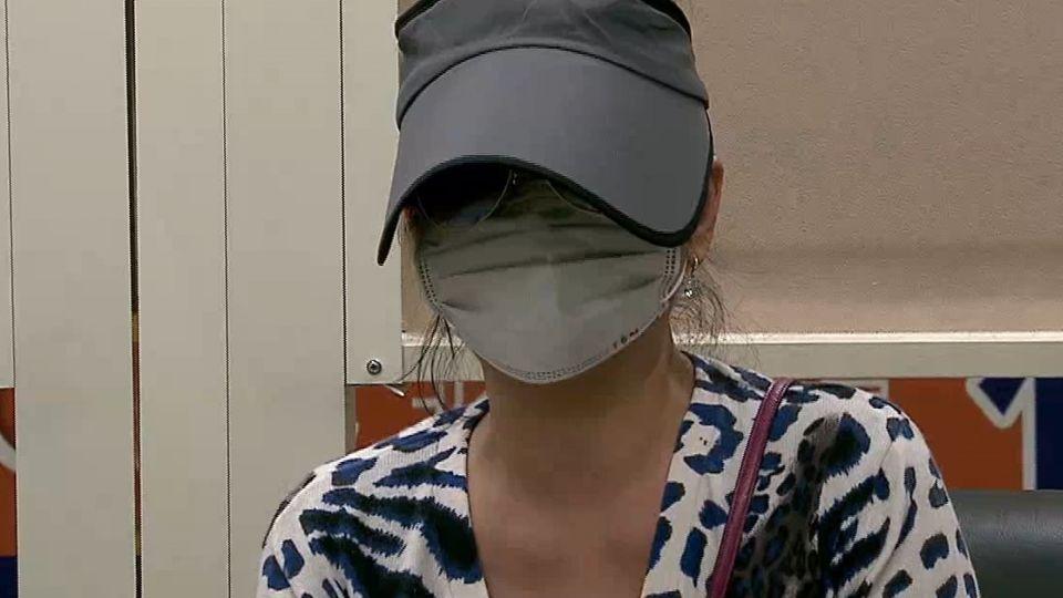 蕭亞軒親姑姑喝酒醉大鬧 遭到警方壓制投訴!