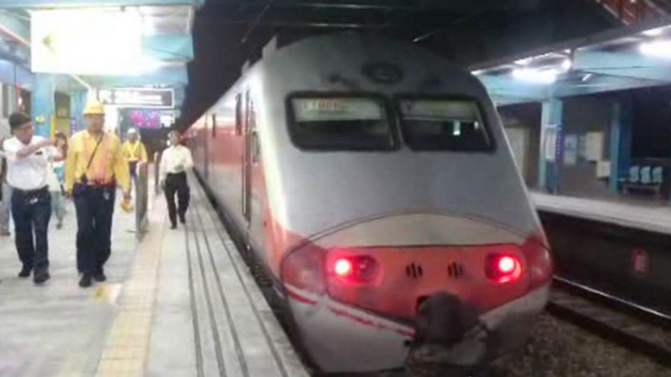 台南1乘客墜落仁德車站月台 慘遭自強號撞死