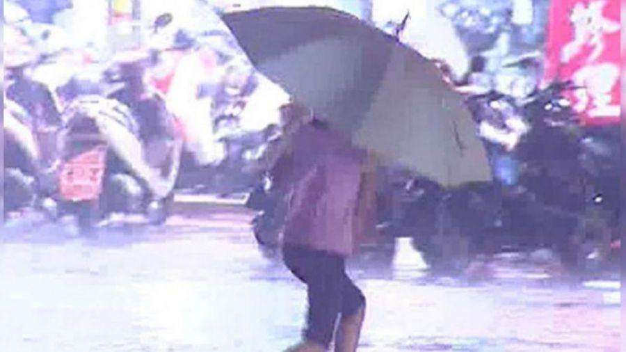 天氣非常不穩定!請備傘提防傾盆大雨