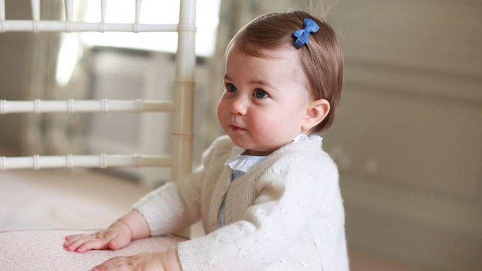 英國夏綠蒂小公主慶第一個生日 照片「萌萌噠」!