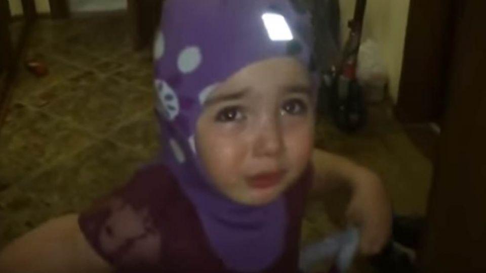 【影片】4歲娃鬧離家去非洲 眼淚鼻涕直流:幫我叫計程車