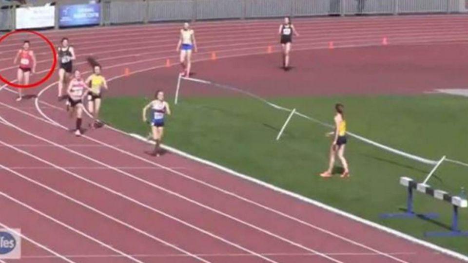 【影片】女子接力賽「逆轉勝」!最後一秒讓全場都看傻了