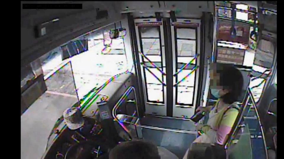 「為了2塊錢」 55歲婦人「學生卡」搭公車 觸詐欺罪