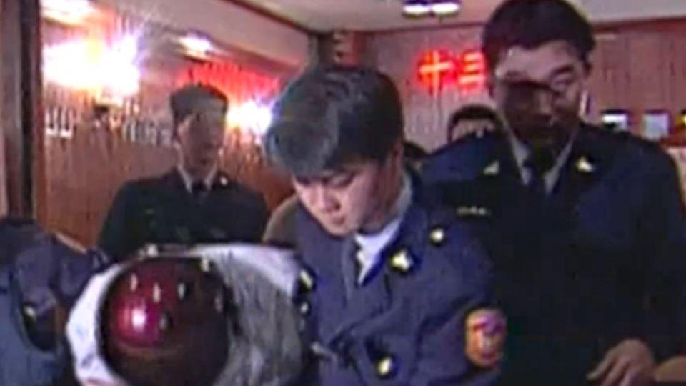 鄭性澤殺警纏訟14年 包廂駁火過程為何?