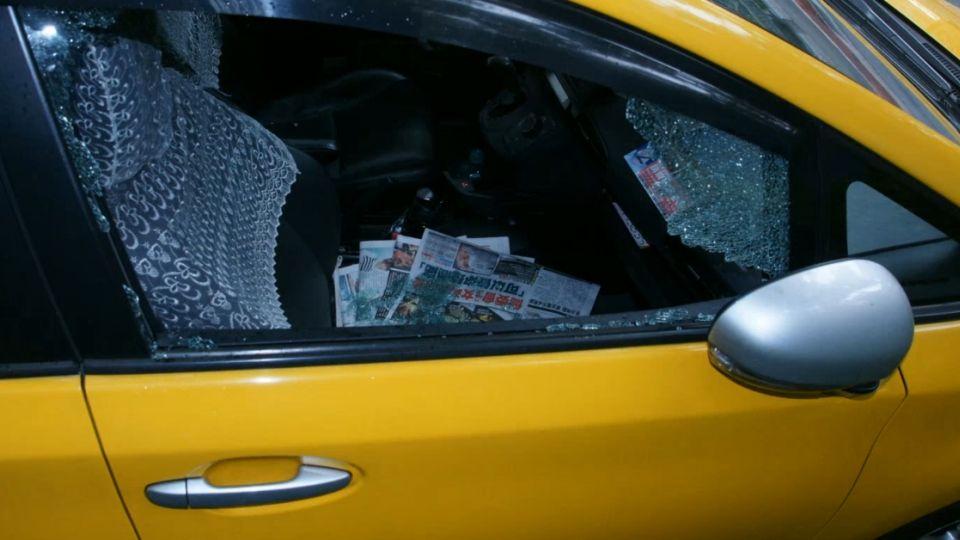 2天砸10輛計程車偷竊 警跑百米追小偷