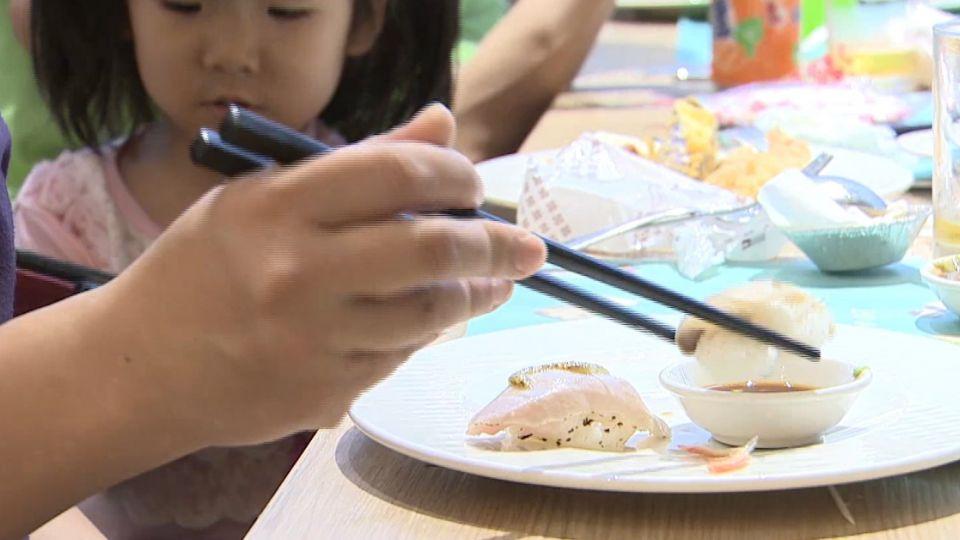 握壽司正確吃法? 魚肉向下只沾醬油