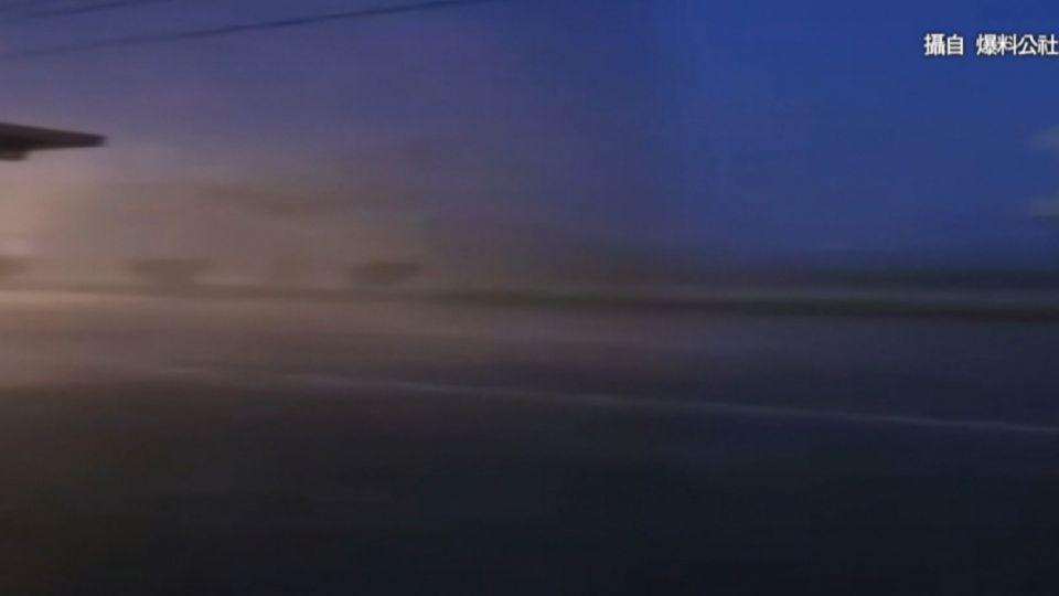 超美電光秀!大雷雨後宜蘭天空密集閃電