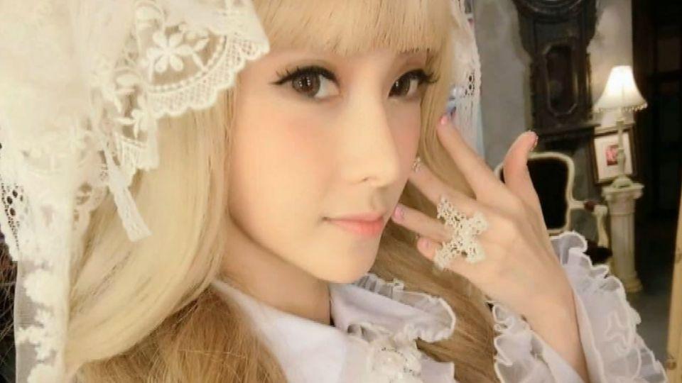 網路女模「柔寶寶」 17直播「吞藥」 粉絲驚報警