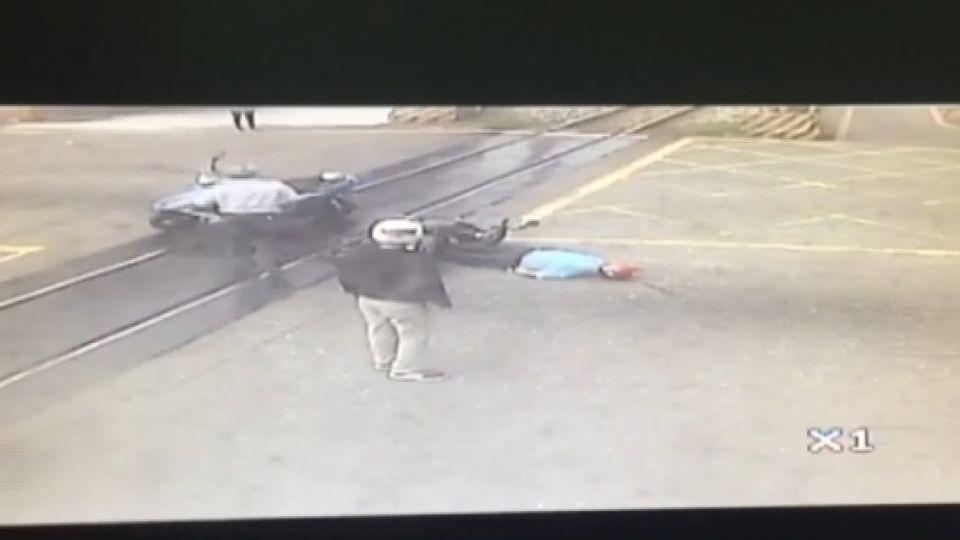 汽機車擦撞 騎士重摔顱內出血開刀急救